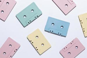 sortimento de fitas cassete vintage foto