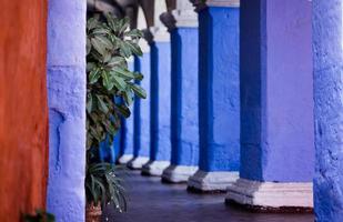 salões de mosteiros coloridos no peru foto
