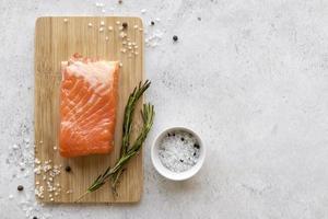 filé de salmão fresco foto