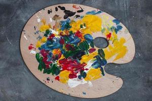 pintar em uma mesa de artista foto