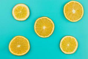 padrão em fatias de laranjas suculentas. conceito de foto bonita de alta qualidade e resolução