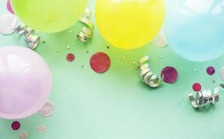 feliz aniversário e fundo da festa foto