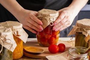 processo de fermentação de tomates foto