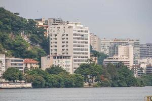 vista da lagoa rodrigo de freitas no rio de janeiro, brasil foto