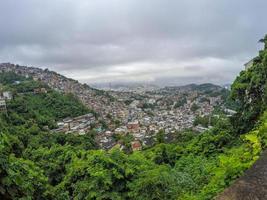 cidade de rrio de janeiro vista do alto do bairro de santa tereza foto
