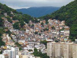 morro da tabajara no bairro de copacabana no rio de janeiro foto