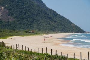 praia de grumari na zona oeste do rio de janeiro foto