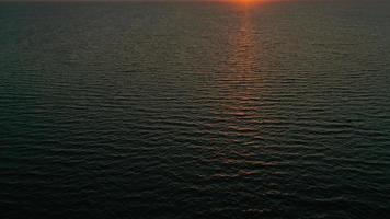 textura da onda vista para o mar foto