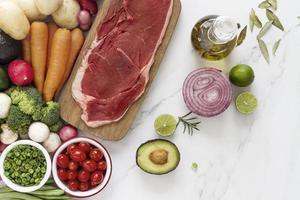 carne e vegetais, prato de dieta alimentar foto