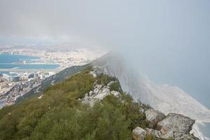 vista aérea do topo da rocha gibraltar foto