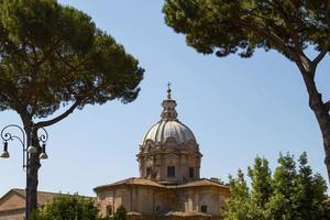 sítio arqueológico no fórum romano em roma itália foto