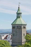 a torre valberg com vista para a cidade de stavanger na noruega foto