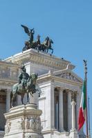 monumento ao victor emmanuel ii em roma itália foto