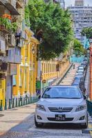 vista de uma rua na cidade de macau, china, 2020 foto