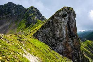 paisagem perto do lago levico, trento itália foto