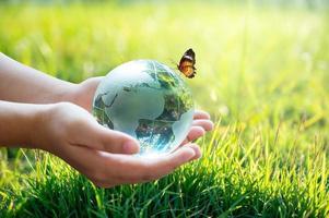 conceito de salvar o mundo, salvar o meio ambiente foto