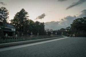 estrada no castelo edo em tokyo, japão no inverno foto