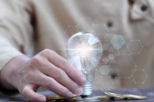 lâmpada para conceito de ideia de inovação foto
