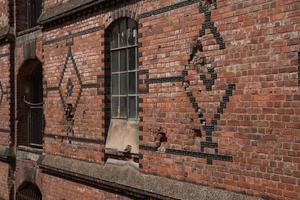 detalhe da parede em armazém distrito de hamburgo speicherstadt na alemanha foto