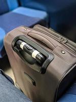uma mala de viagem foto