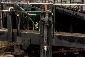 mecanismo de trava de metal foto