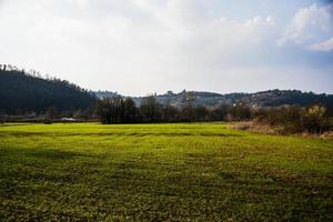20210327 campos cultivados entre as colinas foto