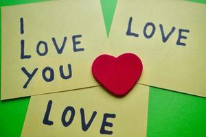 eu te amo mensagem escrita em um papel foto