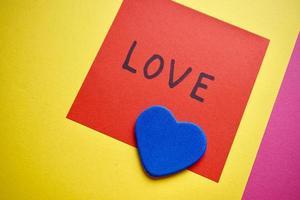 mensagem de amor escrita em papel para o dia dos namorados foto