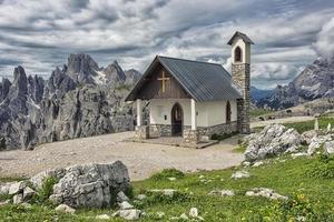 paisagem de dolomitas no tirol sul da itália foto