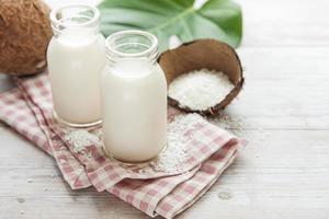 leite de coco fresco foto