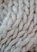 pano de lã branca feito à mão foto