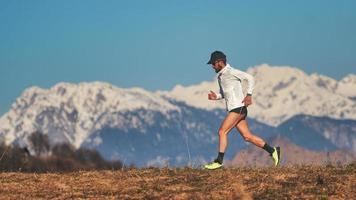 maratoneta treina em altitude para aumentar o hematócrito foto