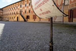a cidade de san miniato na itália foto