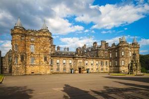 palácio de holyroodhouse em edimburgo, escócia, reino unido foto