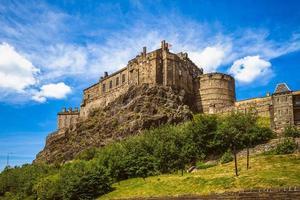 castelo de edimburgo em edimburgo na escócia, reino unido foto