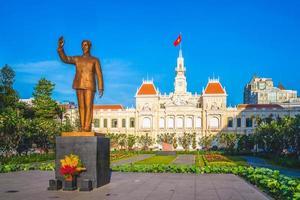cidade de ho chi minh, sede do comitê de pessoas em saigon, vietnã foto