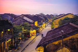 Hoi uma antiga cidade no Vietnã foto