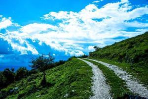 caminho e céu foto