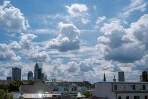 um horizonte dramático em Frankfurt, na Alemanha foto