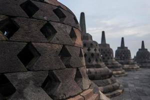 o templo borobudur ao nascer do sol foto