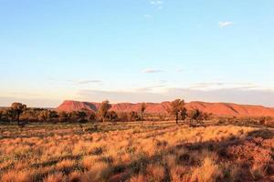 kings canyon ao pôr do sol território norte austrália foto