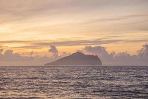 ilha guishan ilha tartaruga no condado de yilan, taiwan foto