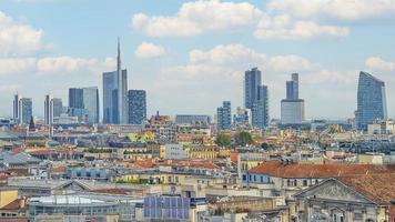 edifícios modernos em milão, itália foto
