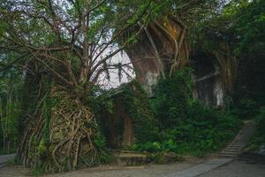 ruínas da ponte longteng, condado de miaoli, taiwan foto