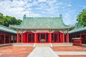 fachada do santuário koxinga em tainan, taiwan foto
