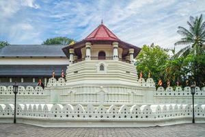 templo da relíquia sagrada do dente em kandy, sri lanka foto