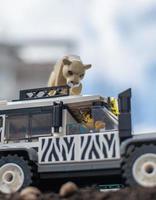 Varsóvia 2020 - minifiguras de lego em safári foto