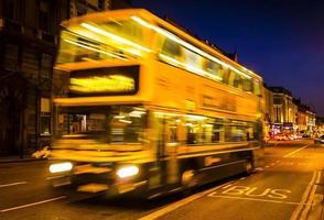 movimento de ônibus de velocidade foto