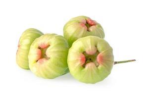 maçã rosa, chophu, eugenia maçã rosa isolada no fundo branco com traçado de recorte. foto