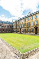 bela arquitetura st. John's College em Cambridge foto